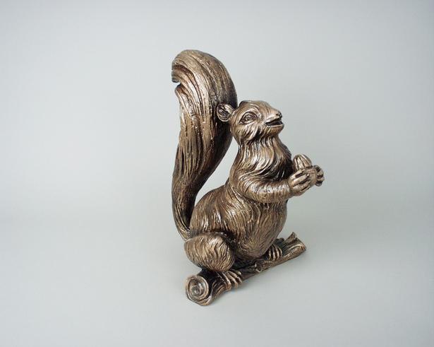 Squirrel urn